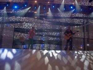 Papkasseshow on big stage